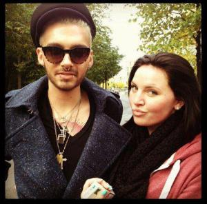 [NEW (OLD) PIC] Bill Kaulitz with a fan in Berlin, Germany [September 2012]